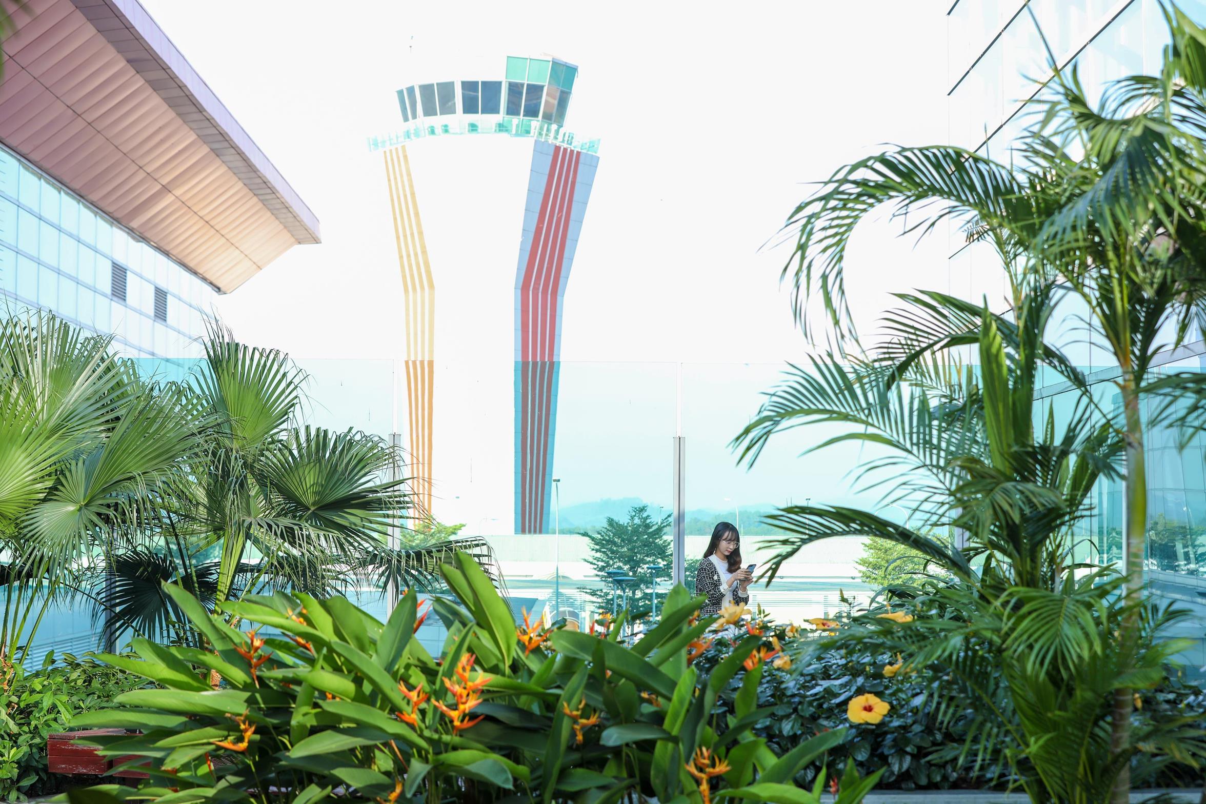Sân bay Vân Đồn được Prix Versailles trao giải đặc biệt thế giới về thiết kế ngoại thất  - Ảnh 2