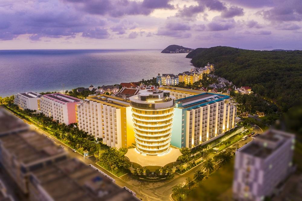 Đảo Ngọc bước vào mùa đẹp nhất năm, dân du lịch, giới đầu tư đều phát sốt - Ảnh 4
