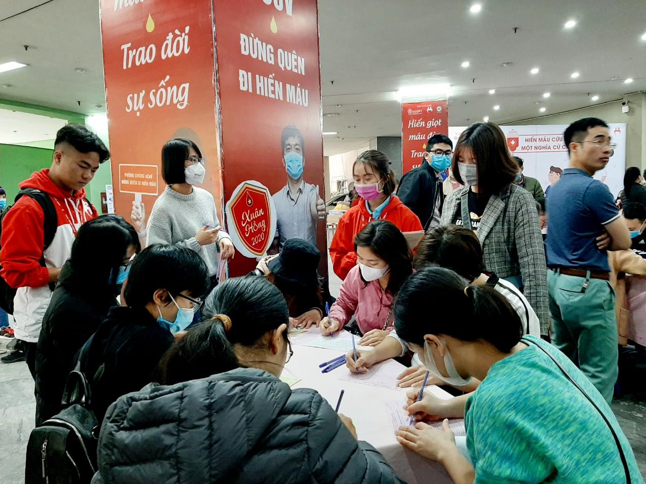 Các doanh nghiệp đăng ký cho CBCNV tham gia hiến máu  - Ảnh 1
