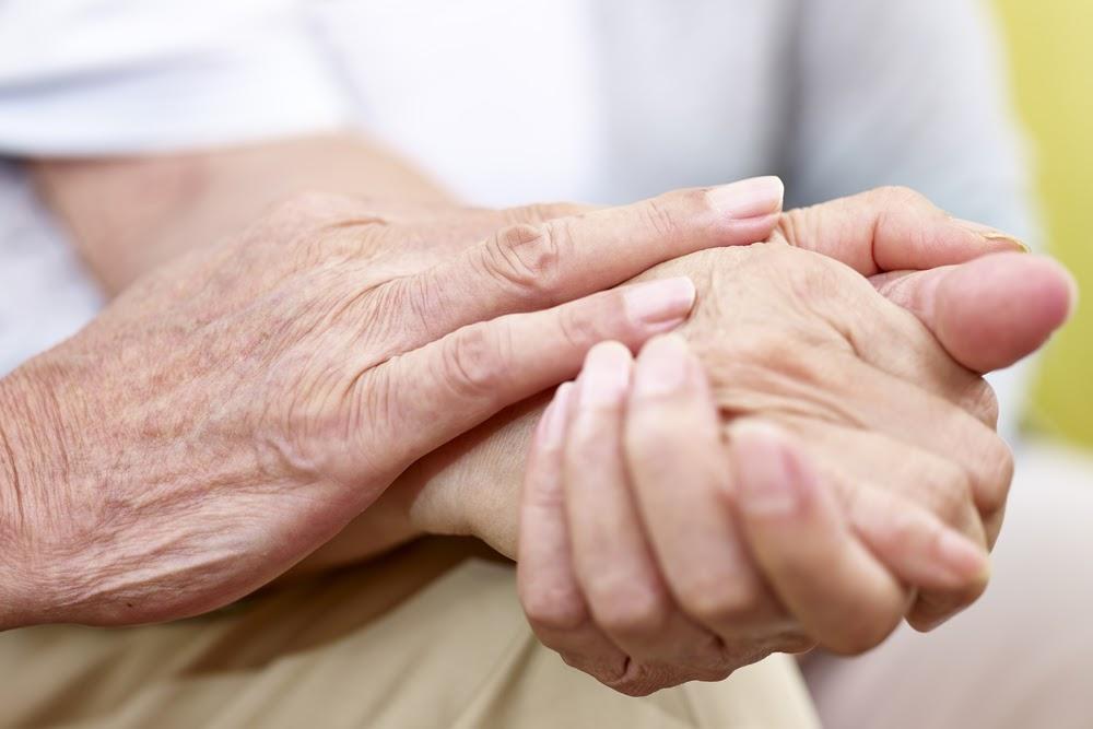Nhà thuốc khuyên dùng sản phẩm hỗ trợ hiệu quả cho người run chân tay  - Ảnh 3