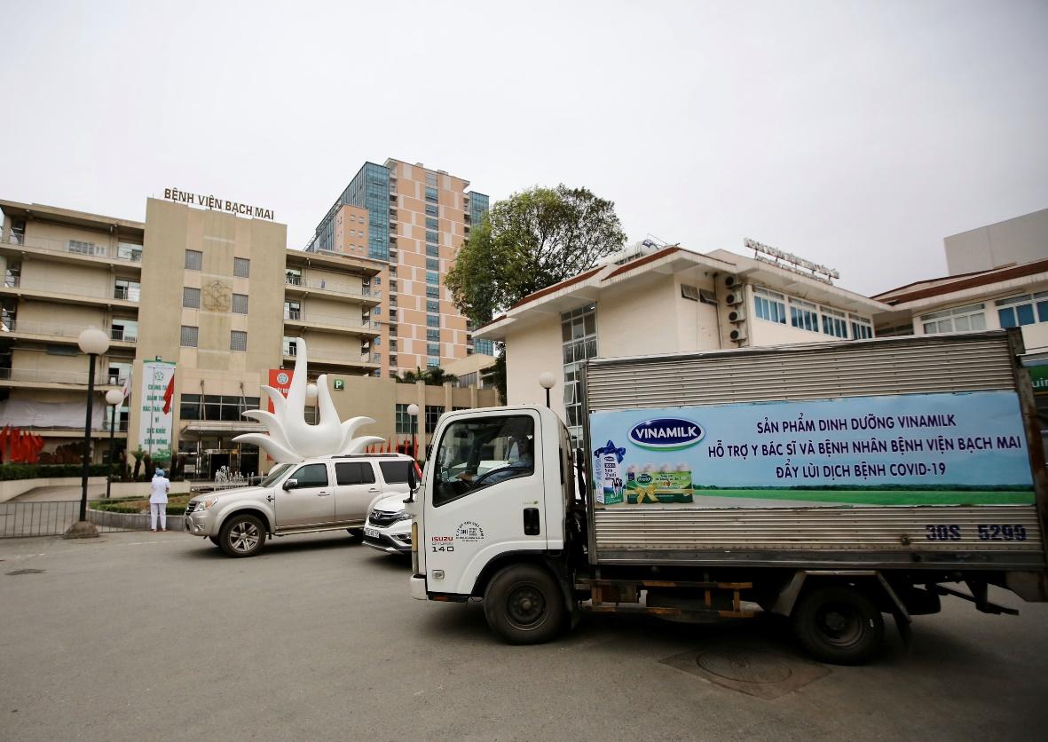 Vinamilk hỗ trợ 1 tỷ đồng tăng cường sản phẩm dinh dưỡng cho các y bác sỹ và bệnh nhân bệnh viện Bạch Mai  - Ảnh 2