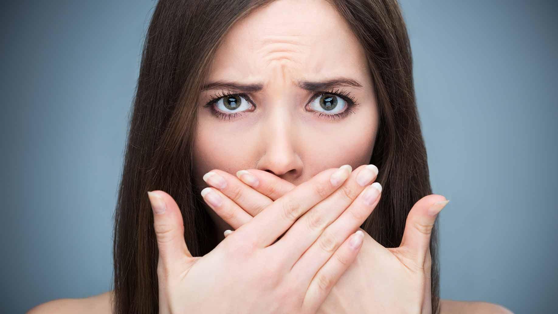 Triệu chứng hôi miệng do trào ngược dạ dày: gây ra phiền toái, không thể coi thường  - Ảnh 1