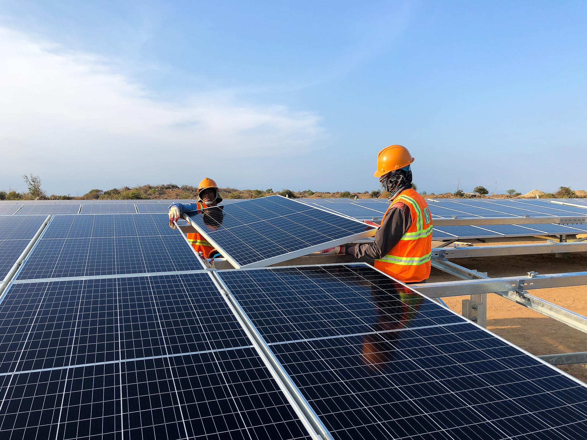 Khánh thành Nhà máy điện mặt trời Phước Ninh: Góp phần đưa Ninh Thuận trở thành trung tâm NLTT của cả nước  - Ảnh 2
