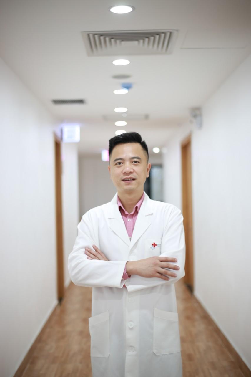 Chinh phục ca mổ vét hạch di căn ung thư tuyến giáp xâm lấn toàn bộ tĩnh mạch cảnh khó tại Việt Nam  - Ảnh 2