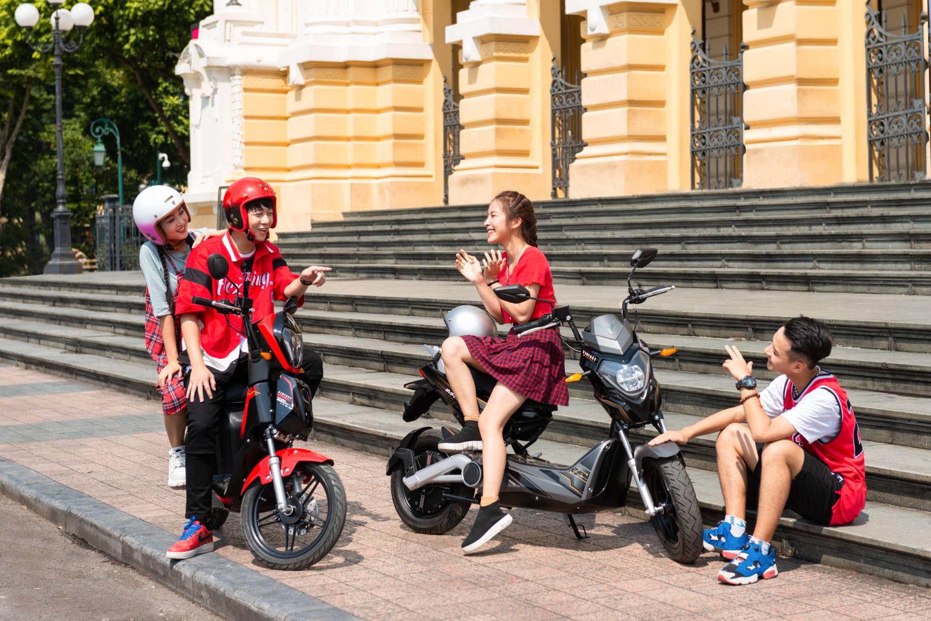 """VinFast tặng 50.000 pin xe máy điện cho học sinh – chung tay """"kiến tạo tương lai xanh""""  - Ảnh 1"""