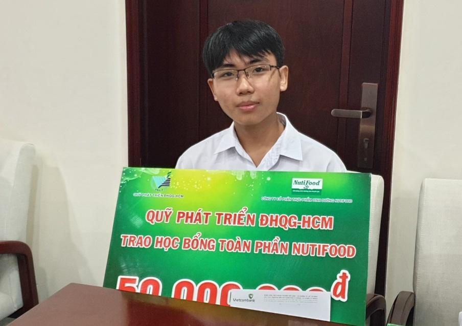 Nutifood trao học bổng toàn phần cho sinh viên Đại học Quốc gia TP.HCM  - Ảnh 2