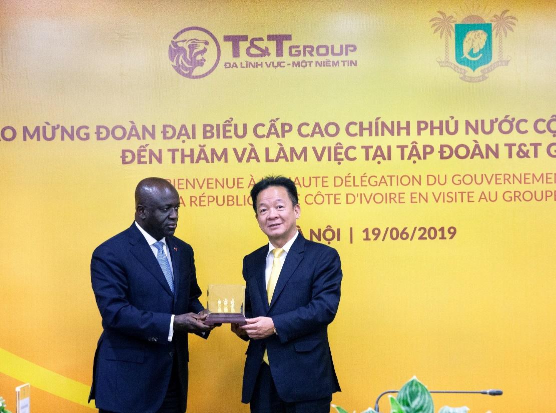 T&T Group thu mua toàn bộ sản lượng điều thô của Chính phủ Bờ Biển Ngà  - Ảnh 2