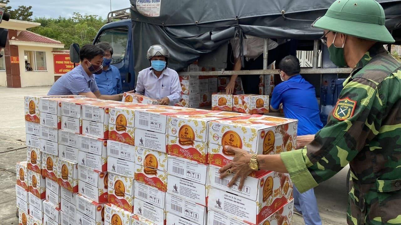 72.000 sản phẩm Trà Thanh Nhiệt Dr Thanh tiếp tục tiếp sức đồng bào, chiến sĩ tại Quân khu 5 và Quân khu 7 - Ảnh 3