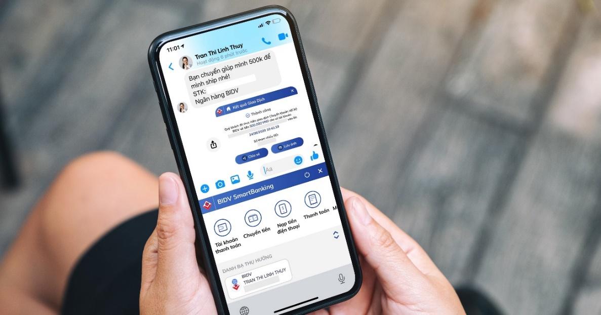Ngân hàng Việt đầu tiên hỗ trợ giao dịch ngay trên ứng dụng chat - Ảnh 1