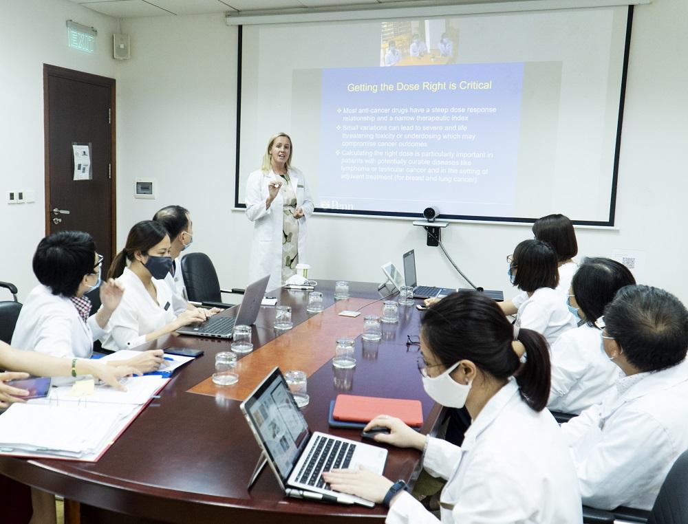 """Hợp tác với các đối tác hàng đầu thế giới, Vinmec """"đón đầu"""" công nghệ điều trị ung bướu tại Việt Nam - Ảnh 3"""