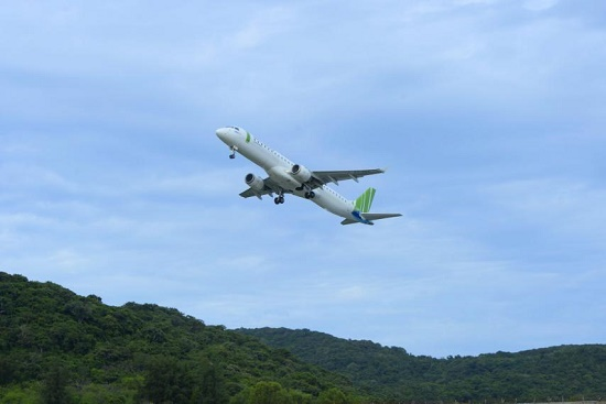 Cận cảnh trải nghiệm dịch vụ Thương gia lần đầu xuất hiện trên đường bay tới Côn Đảo - Ảnh 1