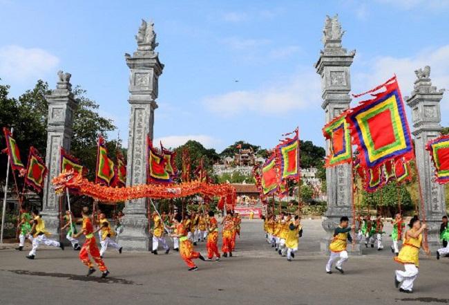 Quảng Ninh: Nhẹ nhàng tĩnh tâm, đầu năm đi lễ hội Đền Cửa Ông - Ảnh 4