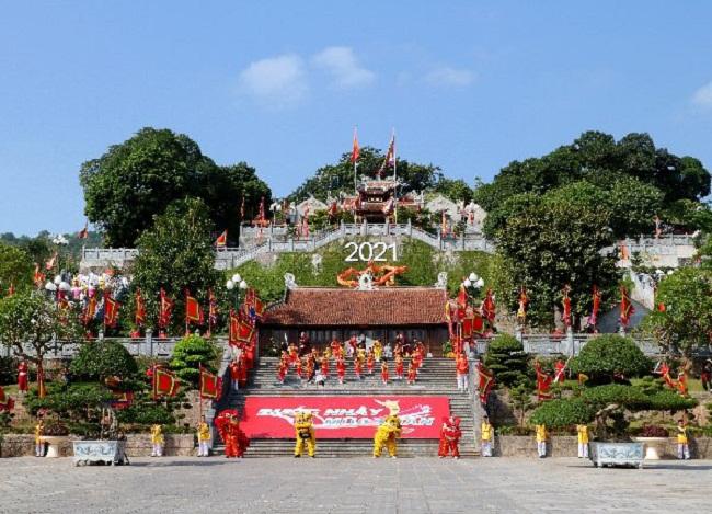 Quảng Ninh: Nhẹ nhàng tĩnh tâm, đầu năm đi lễ hội Đền Cửa Ông - Ảnh 5
