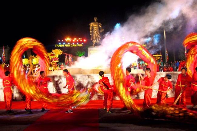 Quảng Ninh: Nhẹ nhàng tĩnh tâm, đầu năm đi lễ hội Đền Cửa Ông - Ảnh 7