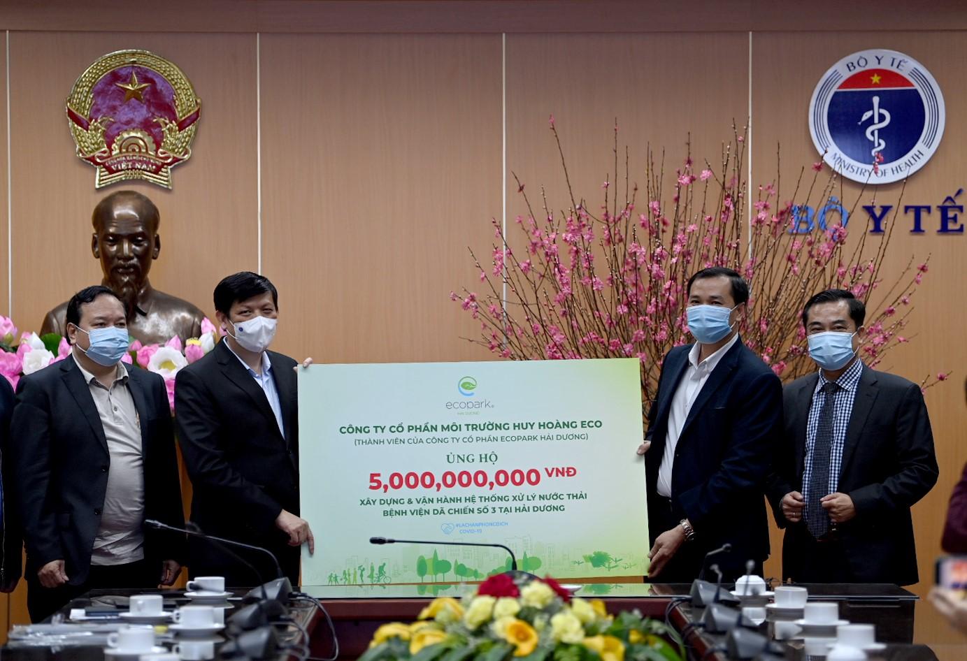 Ecopark ủng hộ 13 tỷ đồng cho công tác phòng chống dịch Covid-19  - Ảnh 3