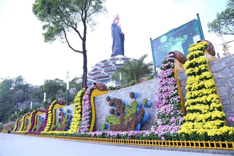 Chiêm ngưỡng tượng Phật Bà cao nhất châu Á trên miền tâm linh Núi Bà kỳ vĩ - Ảnh 5