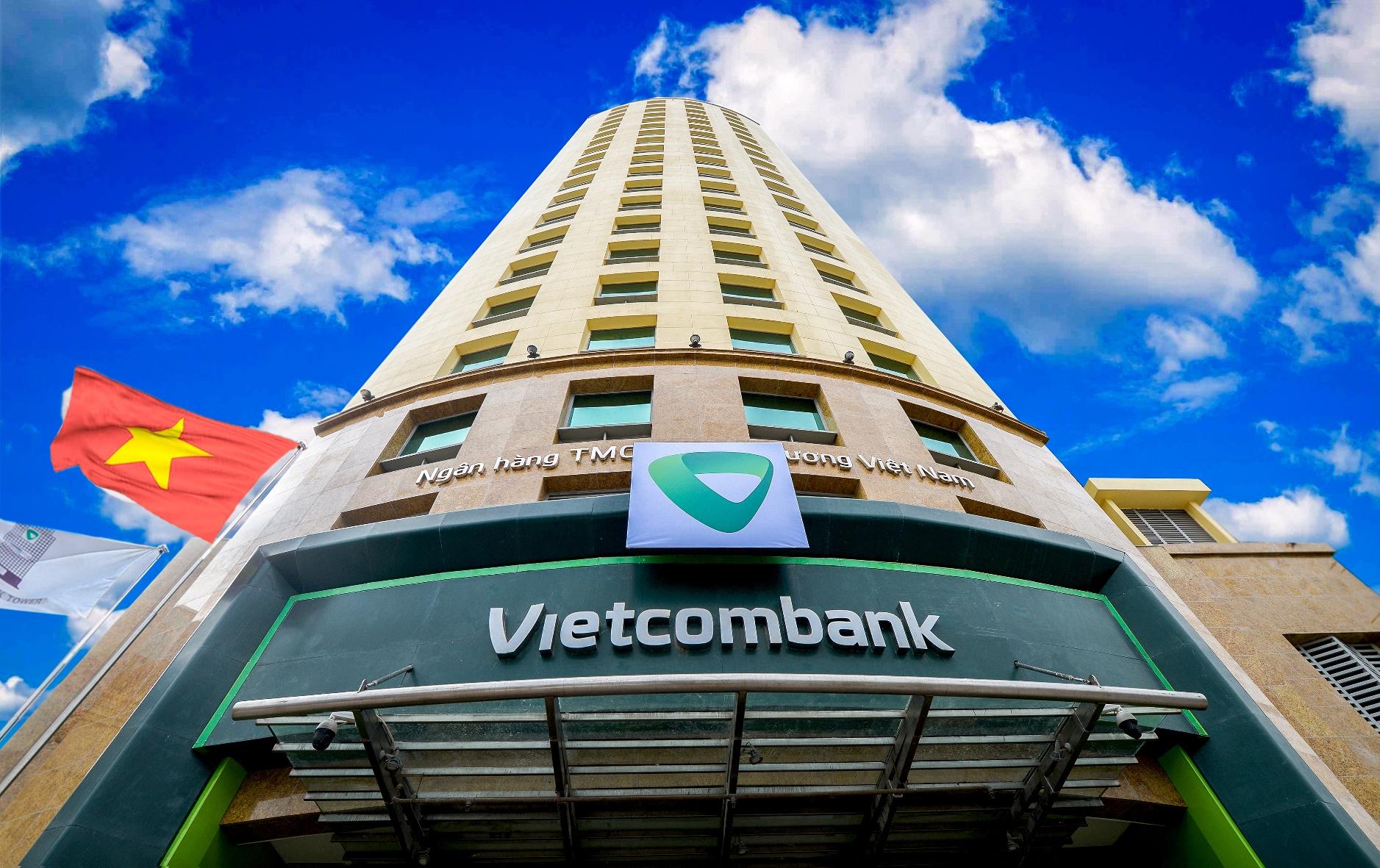 Vietcombank tiếp tục giảm lãi suất tiền vay hỗ trợ khách hàng bị ảnh hưởng bởi đại dịch Covid-19 - Ảnh 3