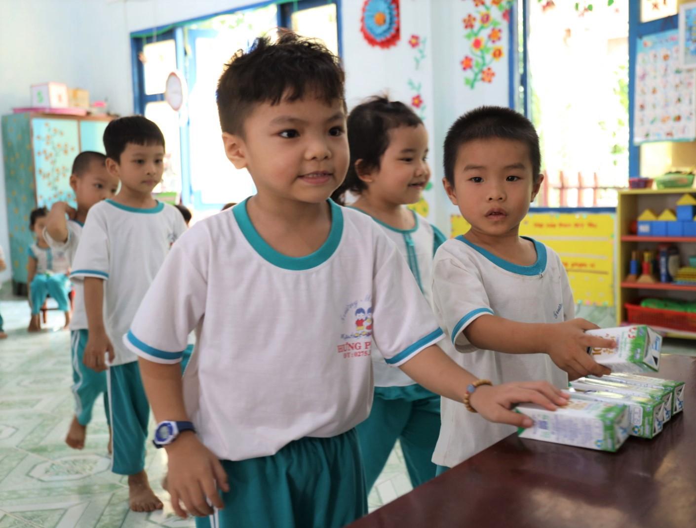 Sau 4 năm thực hiện, sữa học đường tỉnh Bến Tre nhận được nhiều điểm cộng - Ảnh 2