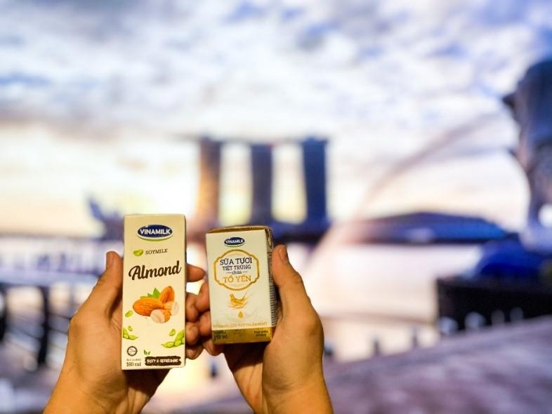 Sữa tươi chứa tổ yến của Vinamilk lần đầu xuất ngoại sang đảo quốc sư tử - Ảnh 1