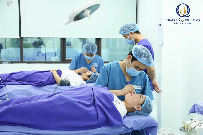 """Bác sỹ thẩm mỹ Vũ Quang: """"Thẩm mỹ với tôi chưa bao giờ là một nghề để kinh doanh"""" - Ảnh 2"""