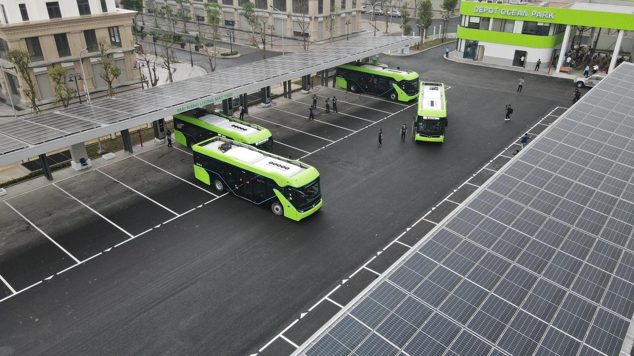 VinBus chính thức vận hành xe buýt điện thông minh đầu tiên tại Việt Nam - Ảnh 10