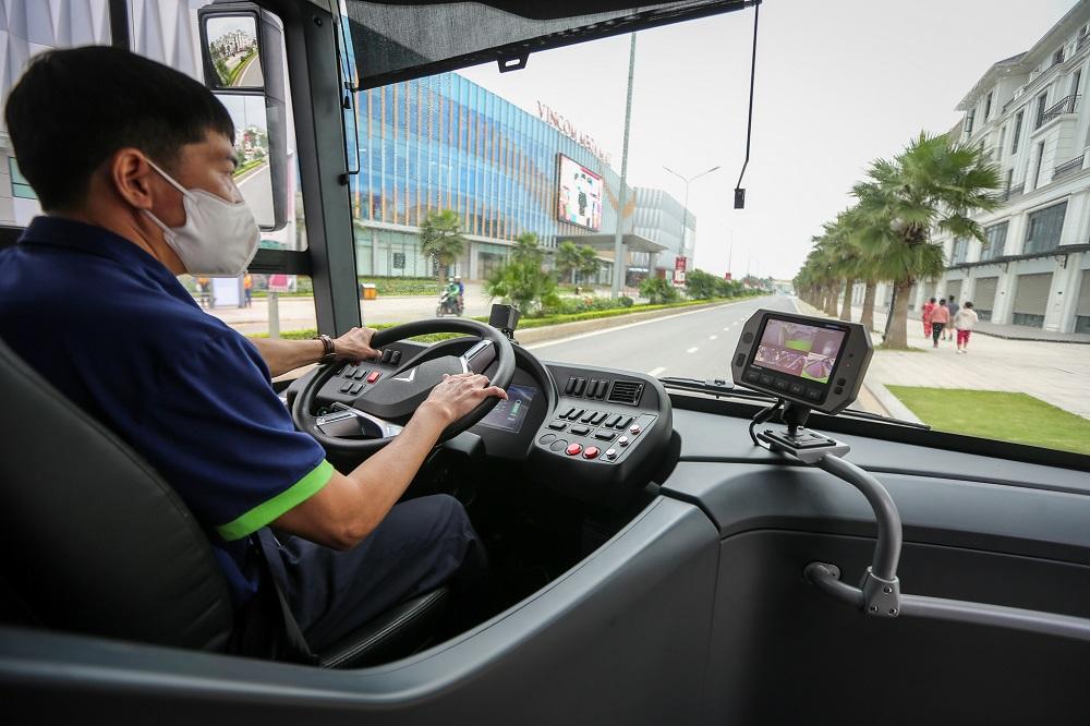 VinBus chính thức vận hành xe buýt điện thông minh đầu tiên tại Việt Nam - Ảnh 7