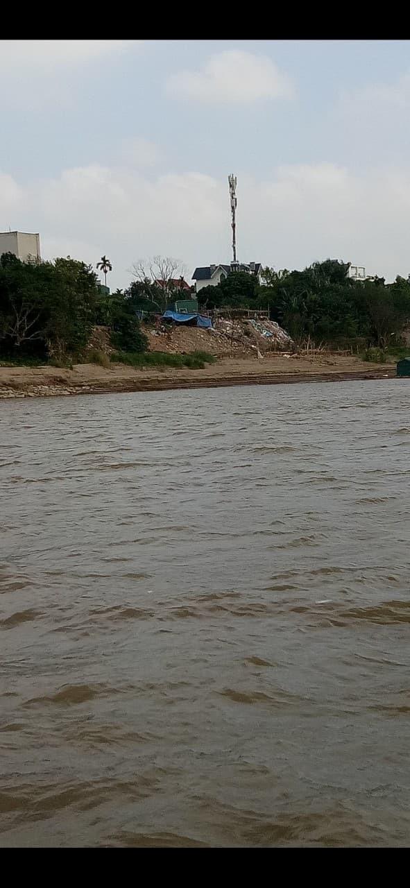 Hà Nội: Ngang nhiên đổ đất, xây dựng lấn chiếm trên hành lang thoát lũ - Ảnh 3