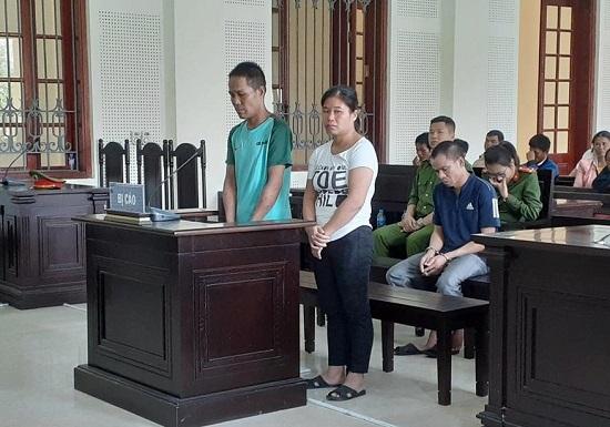 """Nghệ An: Lừa bán thiếu nữ hàng xóm sang Trung Quốc, hai vợ chồng """"dắt"""" nhau vào tù - Ảnh 1"""