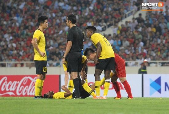 """Hành động đẹp của Quang Hải khiến cầu thủ Malaysia """"phục sát đất"""" - Ảnh 1"""