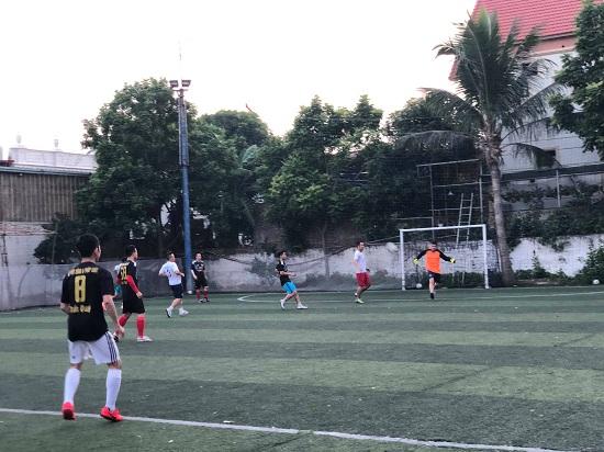 Giao hữu bóng đá giữa Báo Đời sống & Pháp luật và Đội CSGT 15 - Ảnh 5