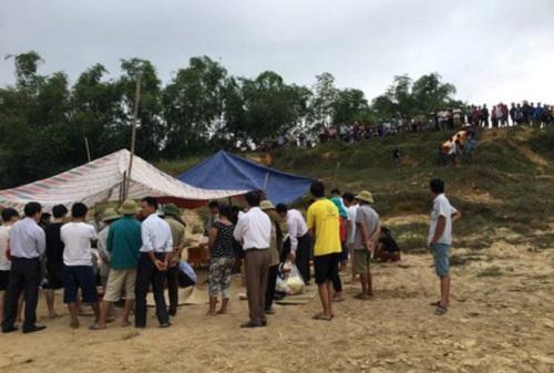Hà Tĩnh: Hiện trường xót xa vụ 3 học sinh đuối nước thương tâm trên sông Ngàn Sâu - Ảnh 6