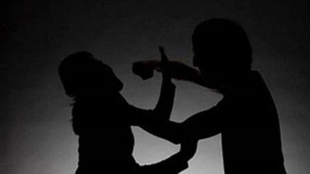 Thanh Hóa: Nghi án chồng dùng dao truy sát vợ rồi cắt cổ tự tử vì ghen tuông - Ảnh 1