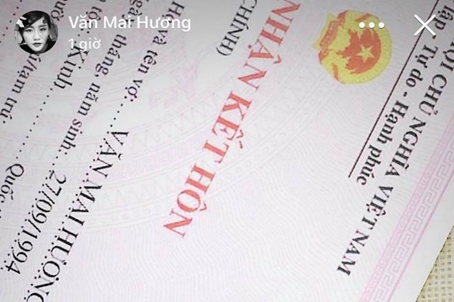 Văn Mai Hương bất ngờ chia sẻ giấy chứng nhận kết hôn - Ảnh 1