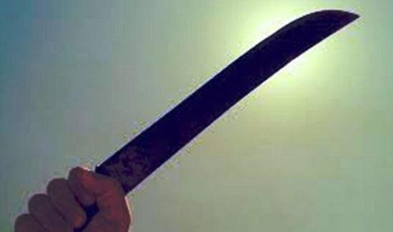 Đắk Nông: Khởi tố đối tượng chém ba người bị thương sau bữa ăn sáng - Ảnh 1