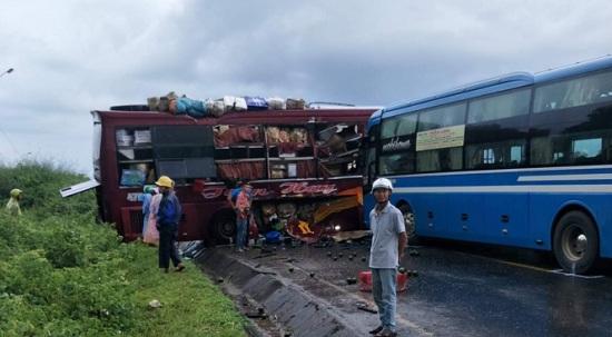 Kon Tum: Va chạm kinh hoàng giữa 2 xe khách khiến 7 người bị thương - Ảnh 1