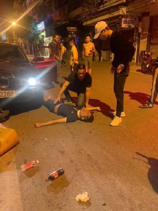 Hiện trường vụ xe BMW gây tai nạn liên hoàn trên phố Hà Nội lúc rạng sáng - Ảnh 2