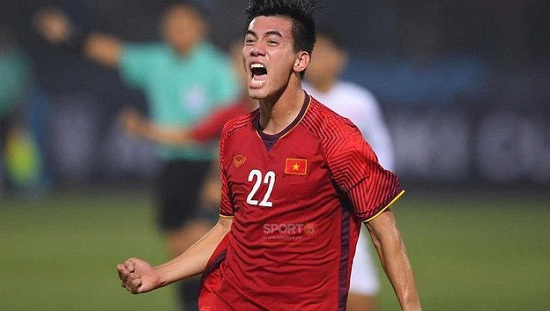 Đội hình trận Việt Nam - UAE: Công Phượng dự bị, Tiến Linh đá cắm - Ảnh 1