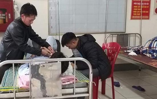 Hà Tĩnh: Nam sinh lớp 10 bị đâm thấu bụng trên đường đi học về - Ảnh 1