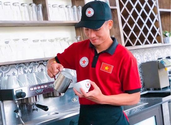 Sự nghiệp kinh doanh đáng nể của nhiều cầu thủ đội tuyển Việt Nam - Ảnh 2