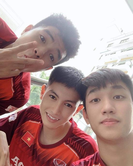 """Loạt ảnh thời còn """"ngố tàu"""" của """"visual"""" mới U22 Việt Nam Nguyễn Trọng Hùng - Ảnh 6"""