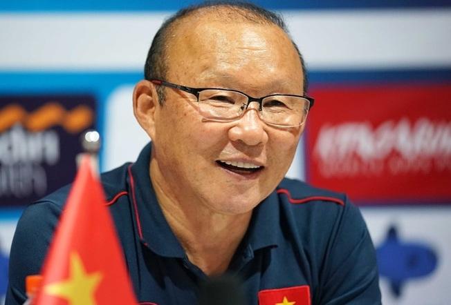 Trước khi kí hợp đồng với HLV Shin Tae Young, Liên đoàn Bóng đá Indonesia từng liên lạc với thầy Park  - Ảnh 1