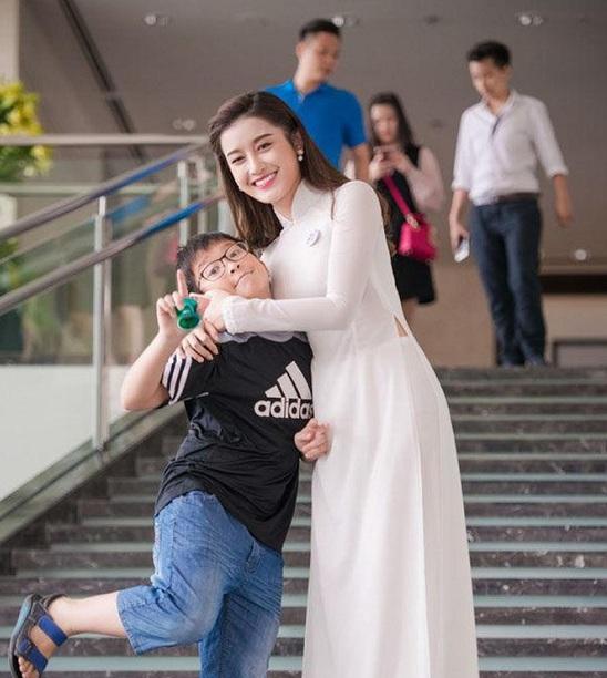 """Hội em trai """"soái ca"""" của dàn Hoa, Á hậu Việt khiến cư dân mạng """"bấn loạn"""" - Ảnh 1"""