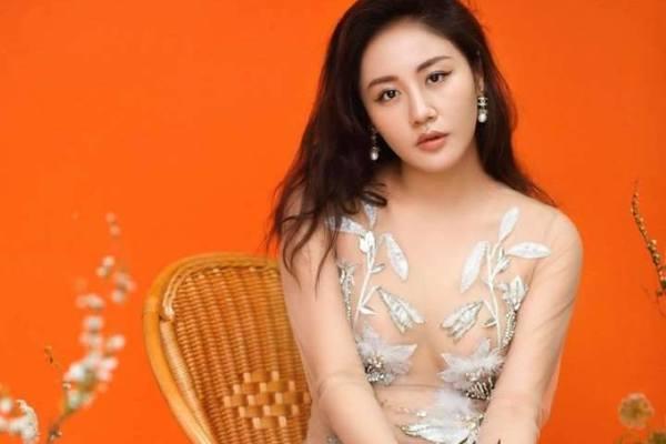 """Đối tượng phát tán """"clip nhạy cảm"""" của Văn Mai Hương có thể bị truy tố hình sự - Ảnh 1"""