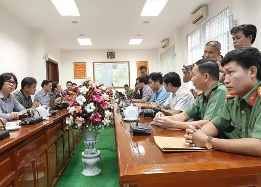 Tạm đình chỉ 2 lãnh đạo đội CSGT Đồng Nai bị tố bảo kê xe quá tải - Ảnh 1