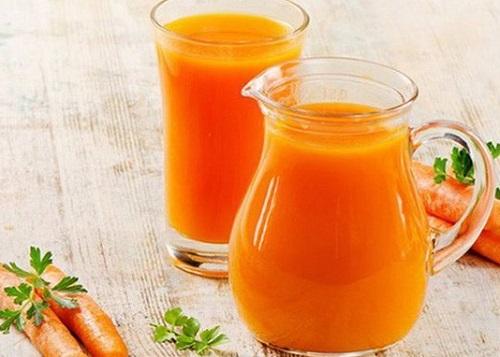 Mách bạn cách làm nước ép cà rốt để có vòng eo thon gọn và làn da căng mịn - Ảnh 1