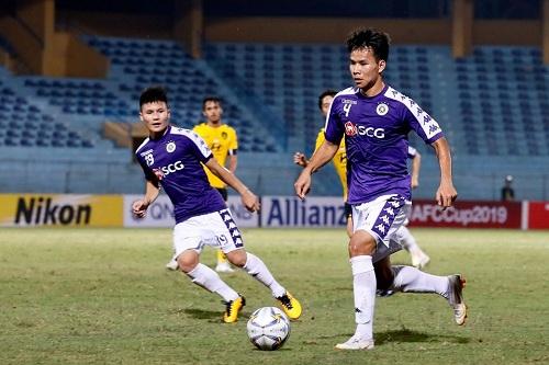 Thủ môn Bùi Tiến Dũng thừa nhận chơi chưa tốt trong trận đầu bắt chính tại CLB Hà Nội - Ảnh 1