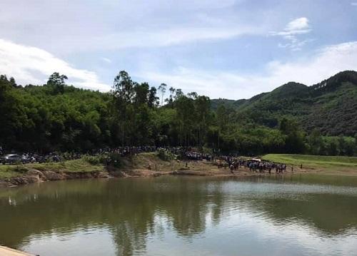 Ám ảnh hiện trường vụ 5 học sinh tử vong vì đuối nước khi chơi ngoài đập ở Nghệ An - Ảnh 2