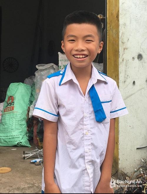 Học sinh lớp 5 dũng cảm cứu em nhỏ mẫu giáo bị đuối nước ở Nghệ An - Ảnh 1