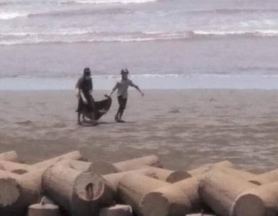 Vụ thi thể không đầu trôi dạt vào bờ biển Nam Định: Xác định danh tính nạn nhân - Ảnh 1