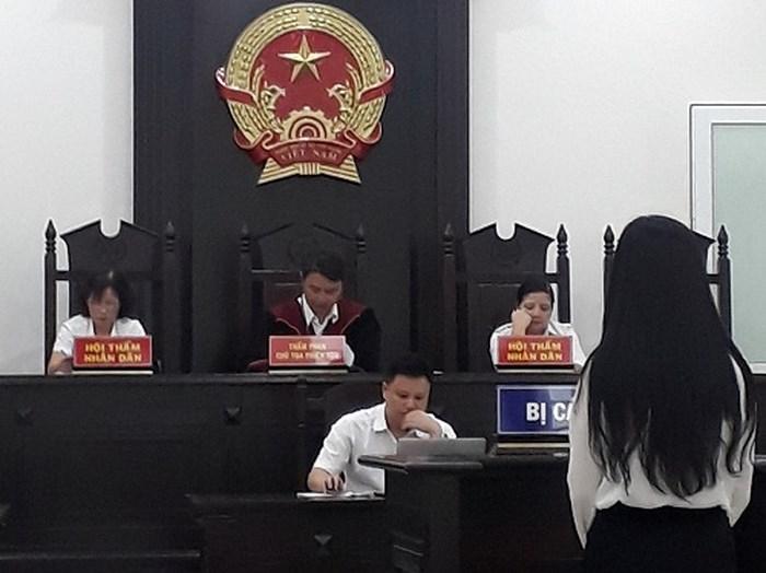 """Rủ bạn bè bán dâm cho các đại gia ở Hà Nội, """"tú bà"""" lĩnh án 3 năm tù - Ảnh 1"""